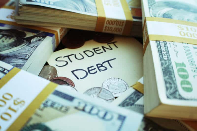 5 Long-term Benefits of Private Student Loan Consolidation